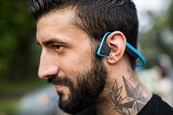 How to connect two headphones or speakers to the same smartphone via Bluetooth